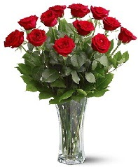 11 adet kırmızı gül vazoda  Erzurum güvenli kaliteli hızlı çiçek