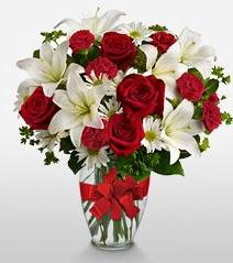 Eşsiz vazo tanzimi güller kazablankalar  Erzurum online çiçekçi , çiçek siparişi