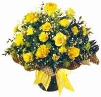 Erzurum 14 şubat sevgililer günü çiçek  Sari gül karanfil ve kir çiçekleri