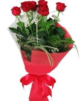 5 adet kırmızı gülden buket  Erzurum hediye çiçek yolla