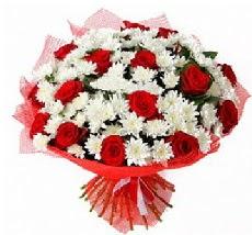 11 adet kırmızı gül ve 1 demet krizantem  Erzurum ucuz çiçek gönder