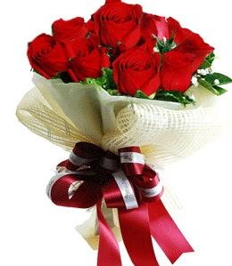9 adet kırmızı gülden buket tanzimi  Erzurum çiçek siparişi vermek
