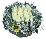 Erzurum kaliteli taze ve ucuz çiçekler  Beyaz harika bir gül sepeti