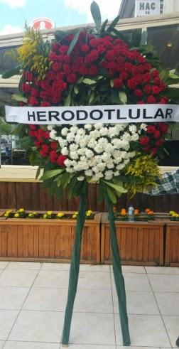 Cenaze çelengi cenazeye çiçek modeli  Erzurum uluslararası çiçek gönderme