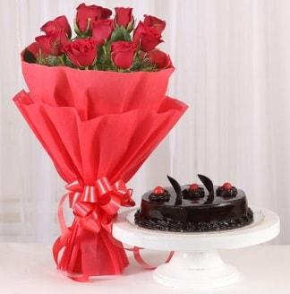 10 Adet kırmızı gül ve 4 kişilik yaş pasta  Erzurum çiçek mağazası , çiçekçi adresleri