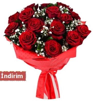 12 Adet kırmızı aşk gülleri  Erzurum uluslararası çiçek gönderme