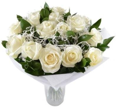 15 beyaz gül buketi sade aşk  Erzurum uluslararası çiçek gönderme